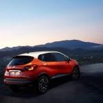 Renault-Captur_2014_800x600_wallpaper_0c
